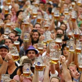 Drink 3 pints of beer on Oktoberfest - Bucket List Ideas