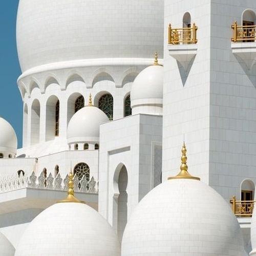 Visit the Sheikh Zayed Grand Mosque - Bucket List Ideas