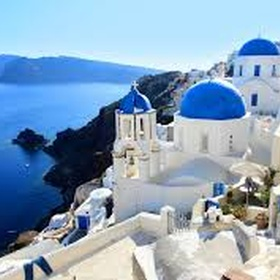 Visit Oia, Santorini, Greece - Bucket List Ideas