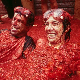 Take part in La Tomatina - Bucket List Ideas