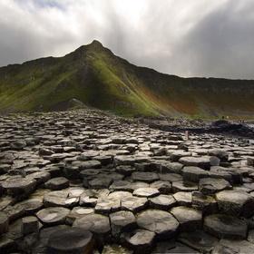 Visit the giants causeway in northern ireland - Bucket List Ideas