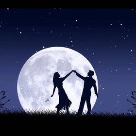Dance in the moonlight - Bucket List Ideas