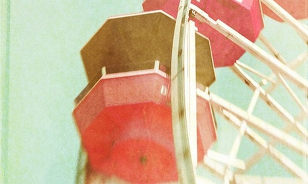 Be kissed on top of a ferris wheel - Bucket List Ideas