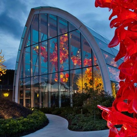 Visit Chihuly Garden and Glass in Seattle - Bucket List Ideas