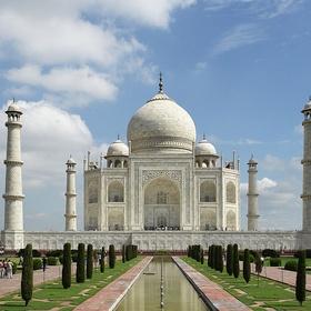 Go and visit the Taj Mahal in India - Bucket List Ideas