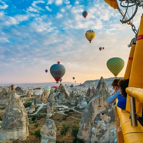 Fly in a hot air balloon above Kapadokya - Bucket List Ideas
