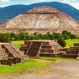 See the Mexican Pyramids - Bucket List Ideas
