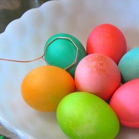 Dye Easter Eggs with my Kids - Bucket List Ideas