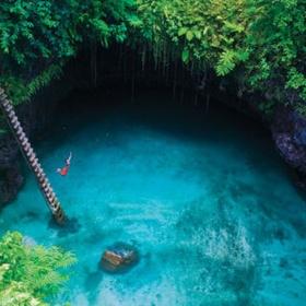 Swim in the to sua ocean trench in samoa - Bucket List Ideas