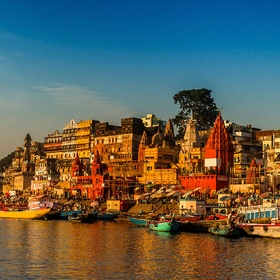 Take a picture with a guru in Varanasi - Bucket List Ideas