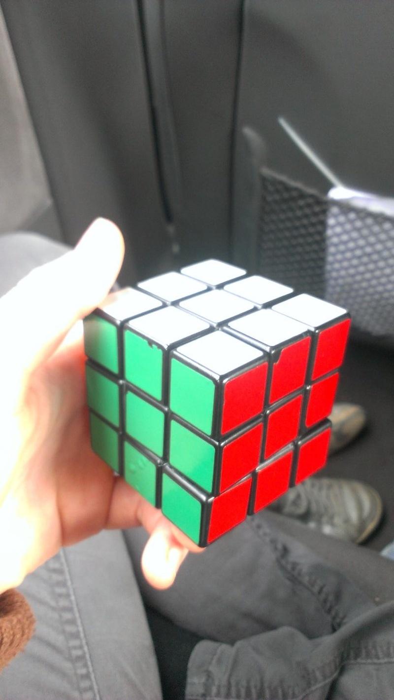 Bucketlist » Learn how to solve a Rubik's Cube (Official Bucket List)