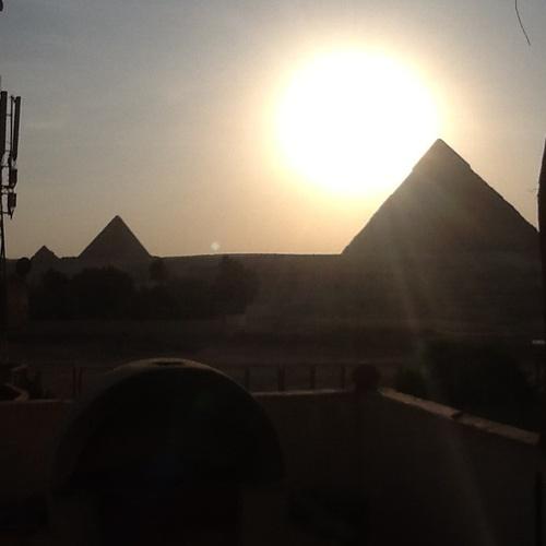 Visit the Pyramids of Giza - Bucket List Ideas
