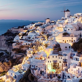 Visit Oia, Santorini, Greece - Bucket List Ideas