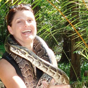 Wrap a snake around my neck - Bucket List Ideas