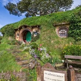 Visit the Shire at Hobbiton, New Zealand - Bucket List Ideas