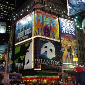 Watch a Musical in Broadway New York City - Bucket List Ideas