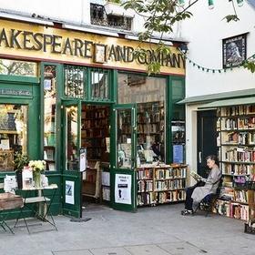 Visit the shakespeare & company bookshop in paris - Bucket List Ideas