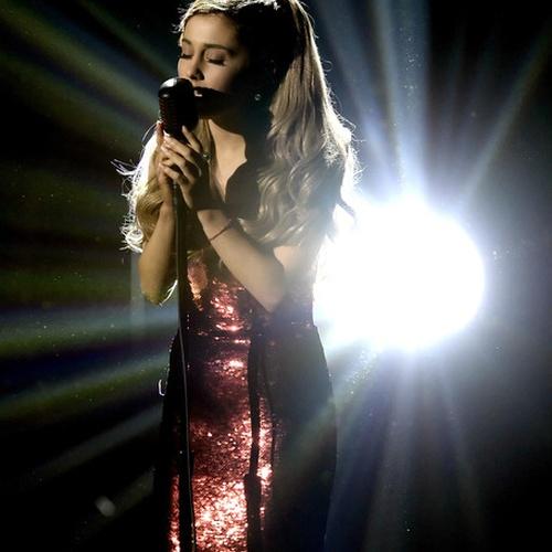 Voir un live d'Ariana Grande sur Tattooed heart - Bucket List Ideas