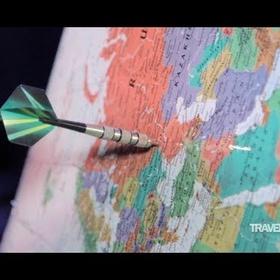"""رمي سهم على الخريطة والسفر إلى اي مكان يقع عليه """"Throw a dart at a map and travel to wherever it lands"""" - Bucket List Ideas"""