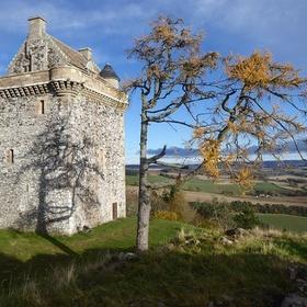 Visit Bedrule and see Fatlips Castle - Bucket List Ideas