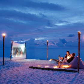 Watch an Outdoor Movie with a Romantic Partner - Bucket List Ideas