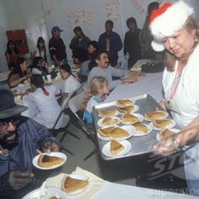 Work at a homeless shelter over Christmas - Bucket List Ideas