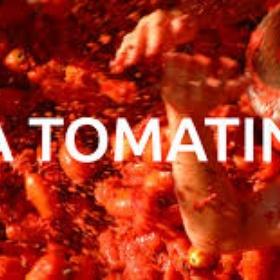 Throw tomatoes at La Tomatina - Bucket List Ideas