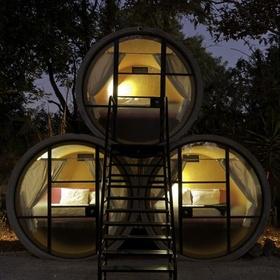 Sleep on a pipe hotel - Bucket List Ideas