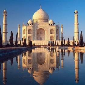 Take a picture in front of the Taj Mahal - Bucket List Ideas