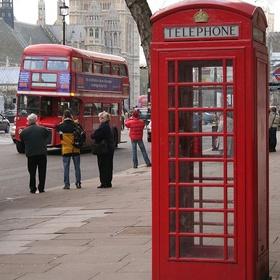 England – London – stand in a red phone box - Bucket List Ideas