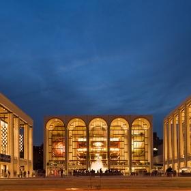 Attend a show at Metropolitan Opera House - Bucket List Ideas