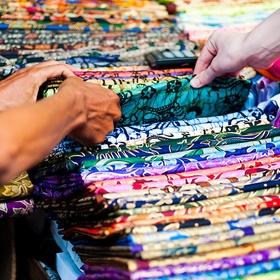 Buy a Scarf in a Market in Bali - Bucket List Ideas