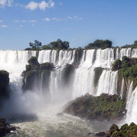 Argentina - visit the Iguazu Falls - Bucket List Ideas