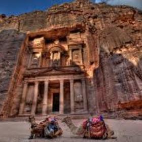 Go to Rockface City of Petra, Jordan - Bucket List Ideas