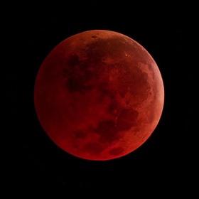 See a total lunar eclipse - Bucket List Ideas