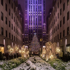 Visit new york at Christmas - Bucket List Ideas