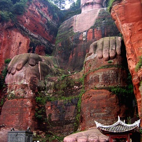 Take a picture of Mount Emei Scenic Area: Leshan Giant Buddha, China - Bucket List Ideas