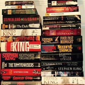 Read every book written by Stephen King - Bucket List Ideas