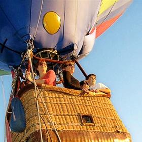 Ride on a hot air balloon - Bucket List Ideas