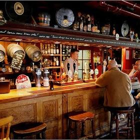 Go to an English pub - Bucket List Ideas