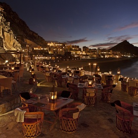 🍴 Eat at El Farallon in Mexico - Bucket List Ideas