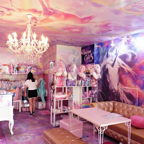 🍴 Eat at Unicorn Cafe in Thailand - Bucket List Ideas