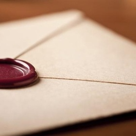 Write myself a letter, seal it and read it 10 years later - Bucket List Ideas