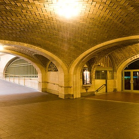 Talk through The Whispering Gallery at Grand Central Station in NYC - Bucket List Ideas
