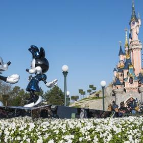 Visit Disneyland Paris - Bucket List Ideas
