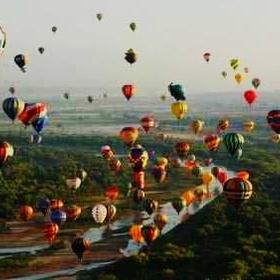 Ride in a Hot Air Balloon at the Balloon Festival in Albuquerque-New Mexico - Bucket List Ideas