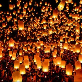 Participate in Thialands Yi Peng festival - Bucket List Ideas