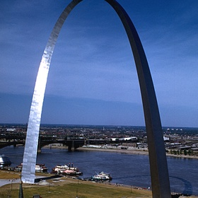 See the Gateway Arch in St. Louis - Bucket List Ideas