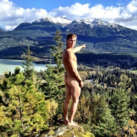 Take a nude picture in the outdoors - Bucket List Ideas