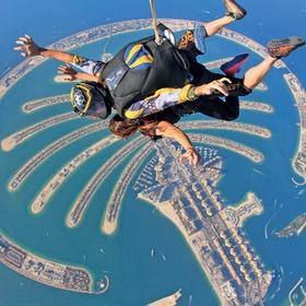 Go skydiving over the palm in Dubai - Bucket List Ideas